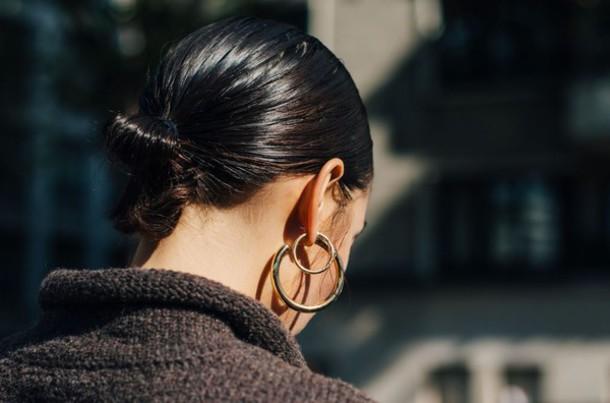 kj7p0o-l-610x610-jewels-fashion+week+street+style-fashion+week+2016-fashion+week-paris+fashion+week+2016-earrings-hoop+earrings-hairstyles-streetstyle-tumblr