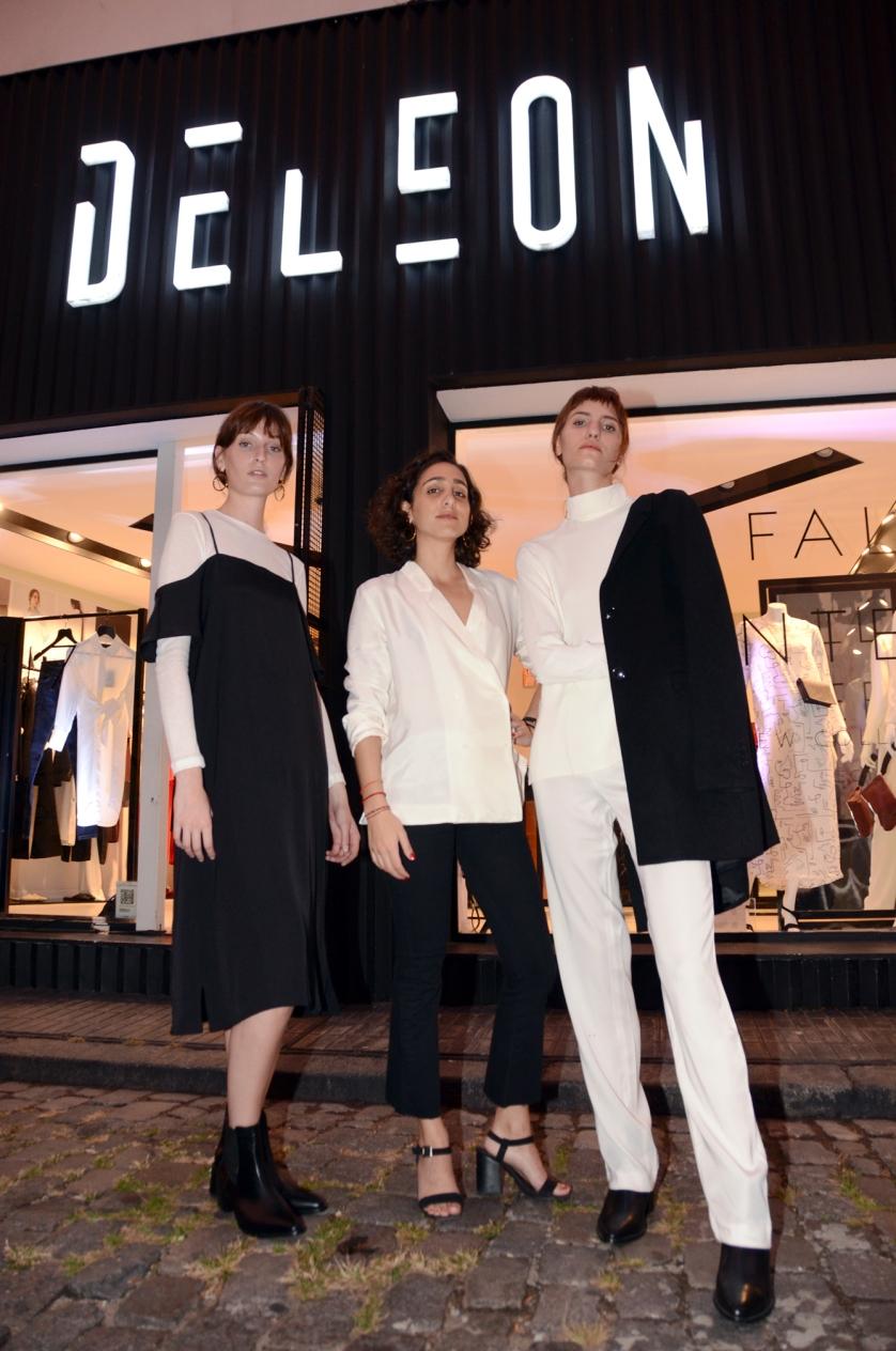 algunas de las modelos junto con Camila Souce, directora creativa de Deleon