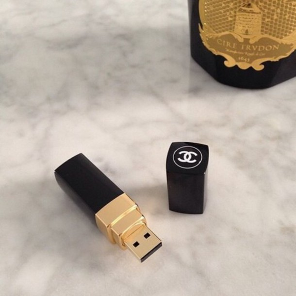 jucqt4-l-610x610-bag-usb-chanel-lipstick-black-coco+chanel-coco-usbstick-flash+drive-channel-amazing-lovely-fashion--nice-jewels-memory+card-technology-classy+wishlist-make-home+accessor