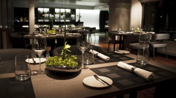 restaurante_chila_puerto-madero_mesa