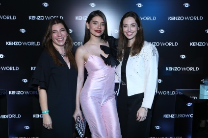 Eva De Dominici junto a Silvia Santuccio, Brand Manager de Kenzo y Andrea Pappolla Marketing Manager de Kenzo. (Fragancia Kenzo World)