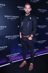 Agustin Sierra en el cocktail party de New Gentleman de Givenchy