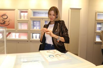 Guille Valdes en la apertura de Pandora en Alcorta Shopping (37)