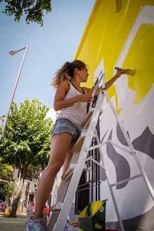 clara wall_ mural glovo_a