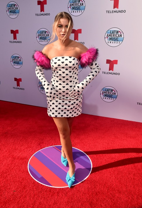 """2019 LATIN AMERICAN MUSIC AWARDS -- """"Red Carpet"""" -- Pictured: Sofia Reyes at the Dolby Theatre in Hollywood, CA on October 17, 2019 -- (Photo by: Alberto Rodriguez/Telemundo)"""