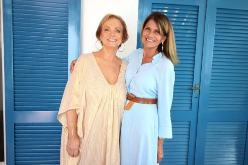 Roberta Freymann y Teresa Calandra en la comida de Ro´s Garden