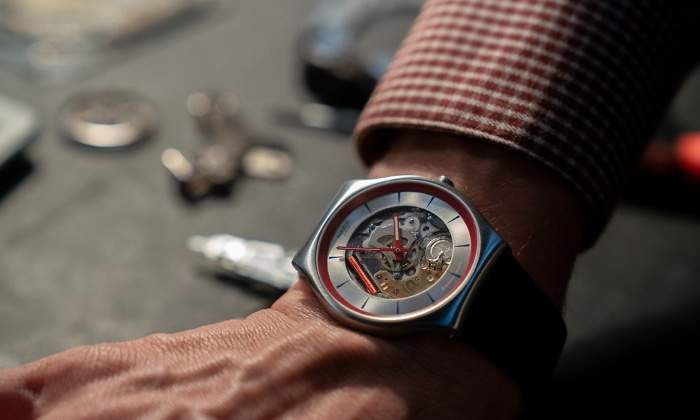 700x420_770x420-reloj-q-edicion-limitada-swatch-coleccion-007