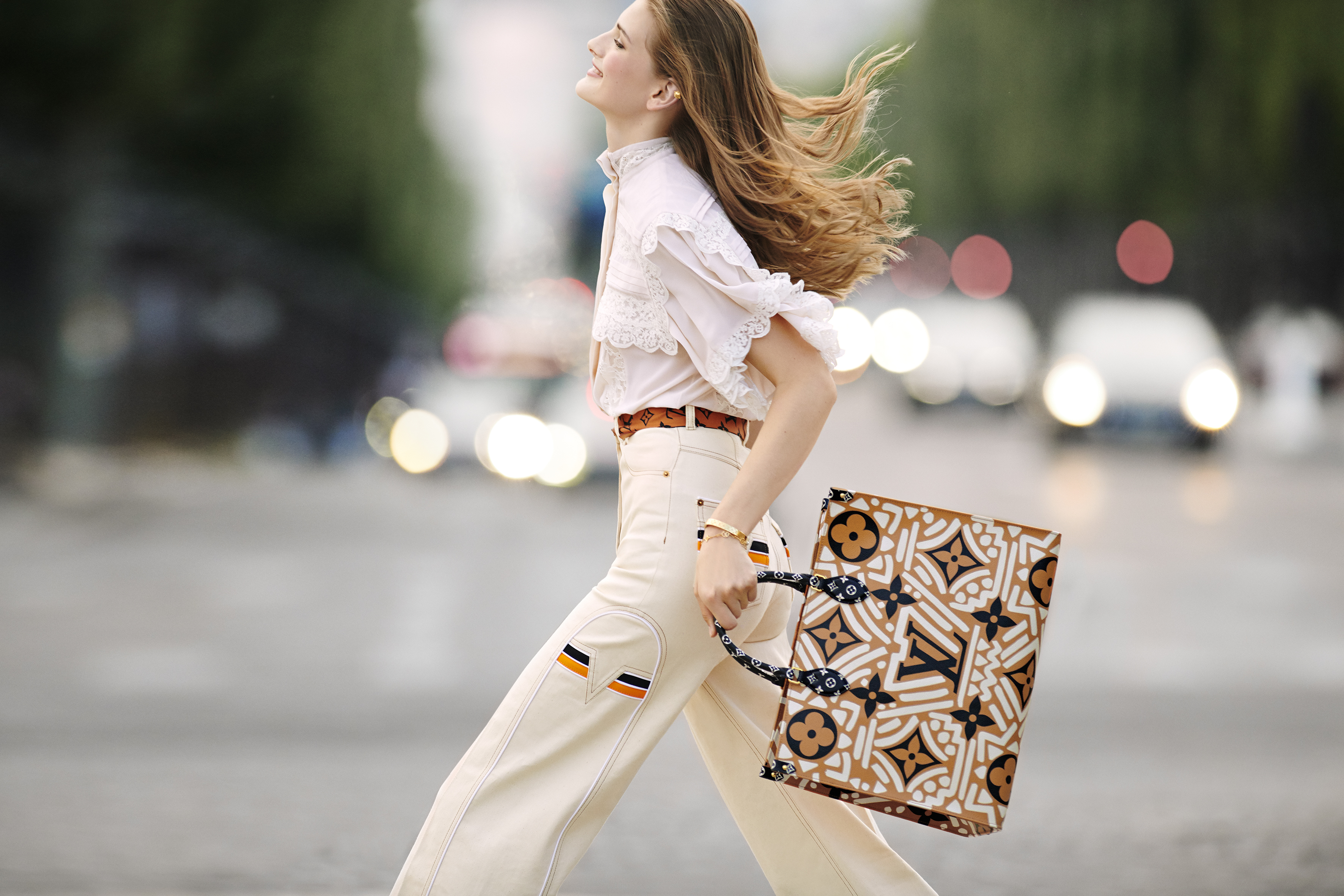 1 - OnTheGO tote LV Crafty caramel and cream, in Monogram coated canvas 1 (1)