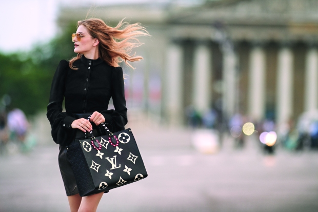 7 - OnTheGo tote LV Crafty Monogram Empreinte black, in embossed supple grained cowhide leater